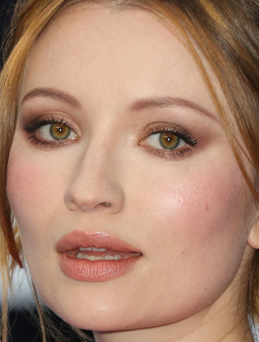 Emily Browning, Legend London premiere, 2015