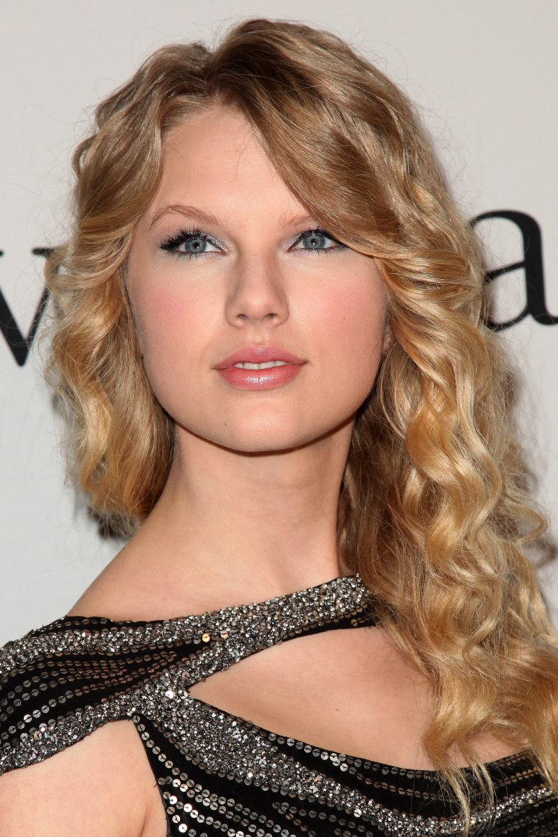 Taylor Swift, Grammy Salute to Industry Icons party, 2009