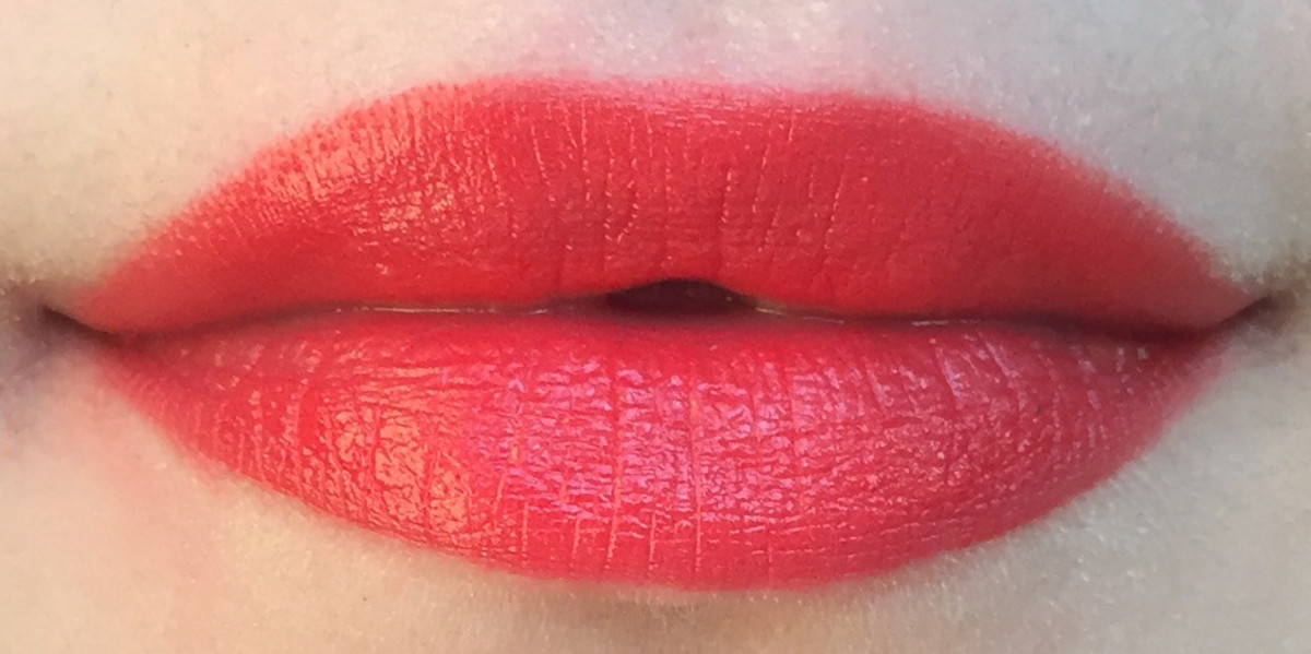 HM Cream Lip Colour in Candy Apple (swatch)