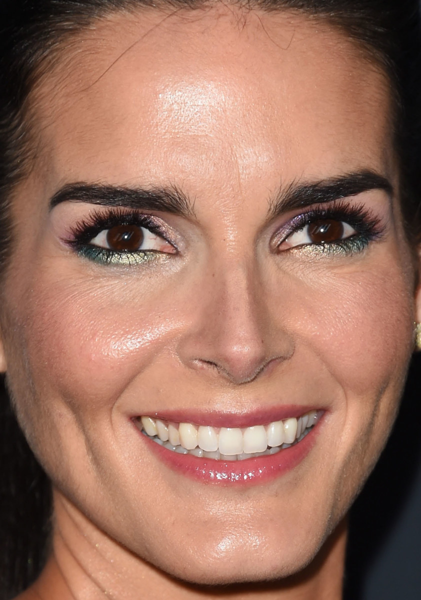 Angie Harmon, Critics' Choice Television Awards 2015