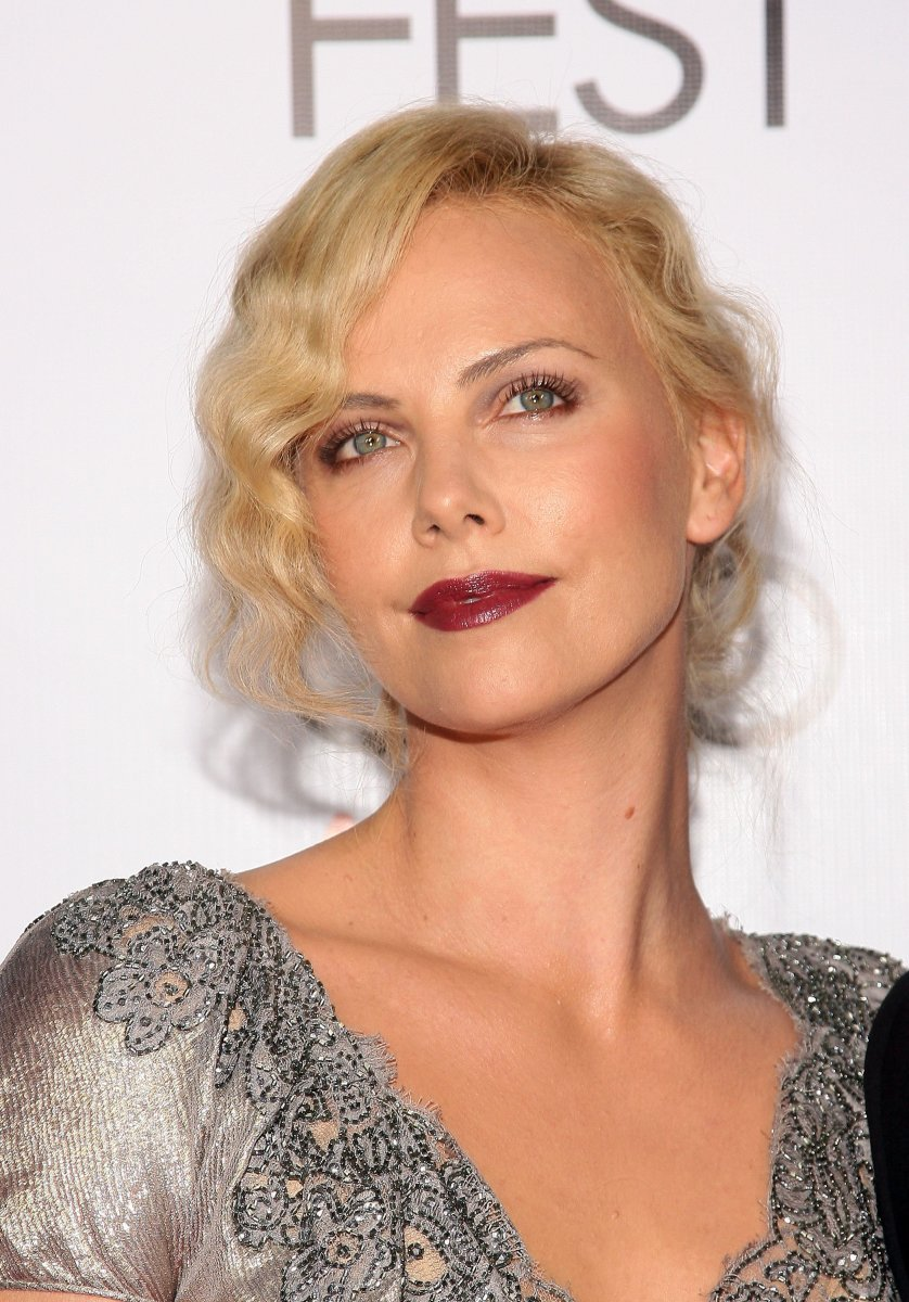 Charlize Theron medium curly hair