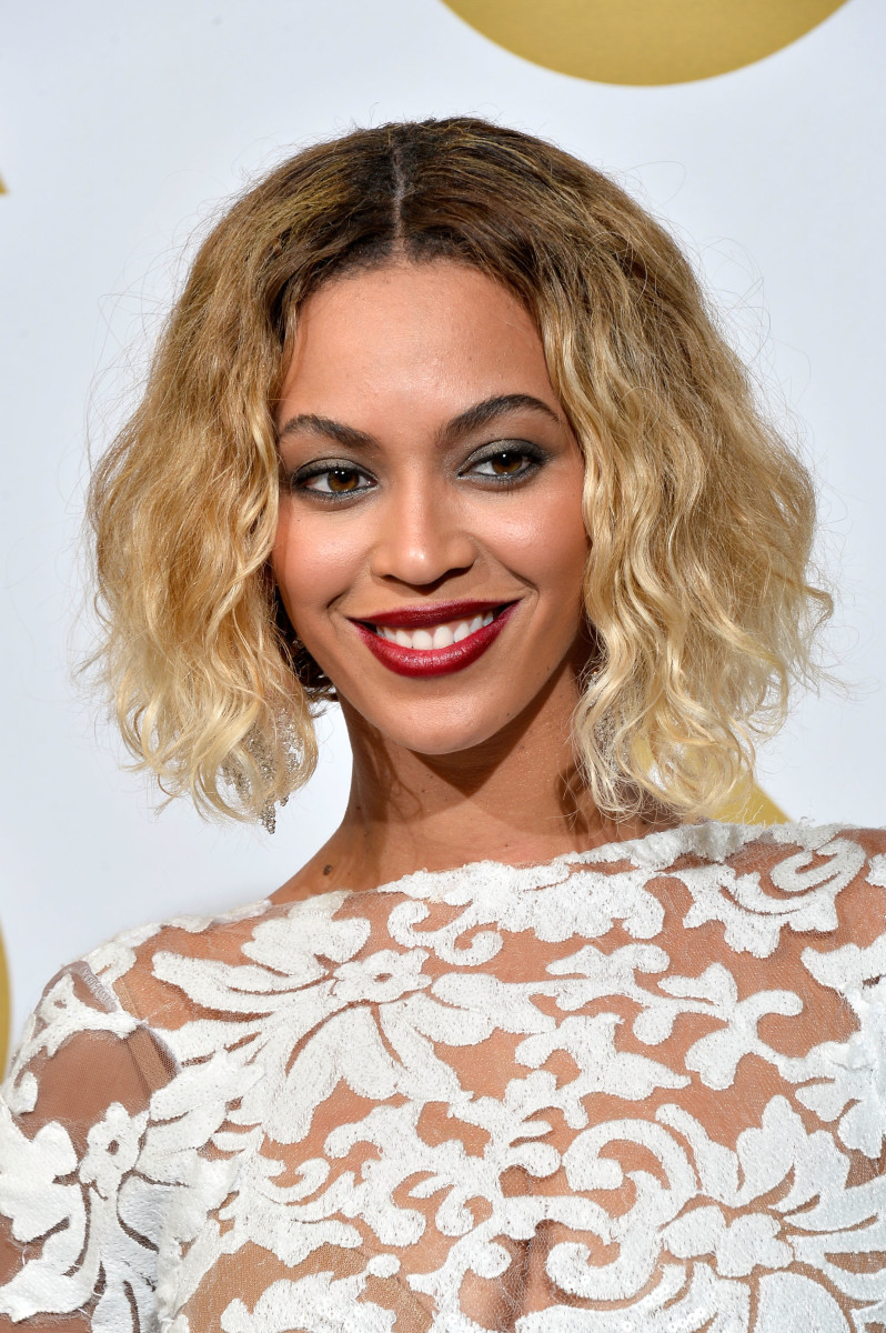 Beyonce medium curly hair