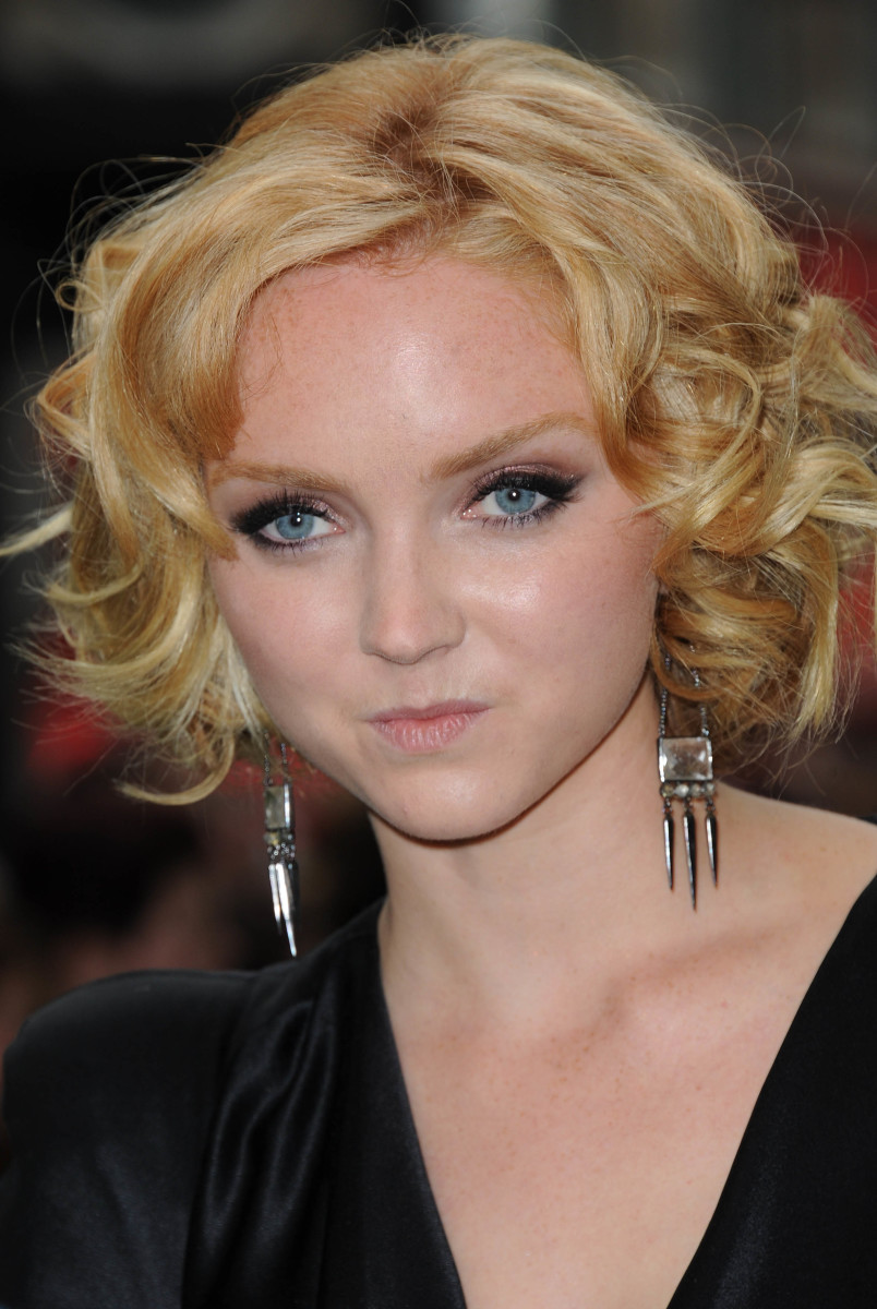 Lily Cole medium curly hair