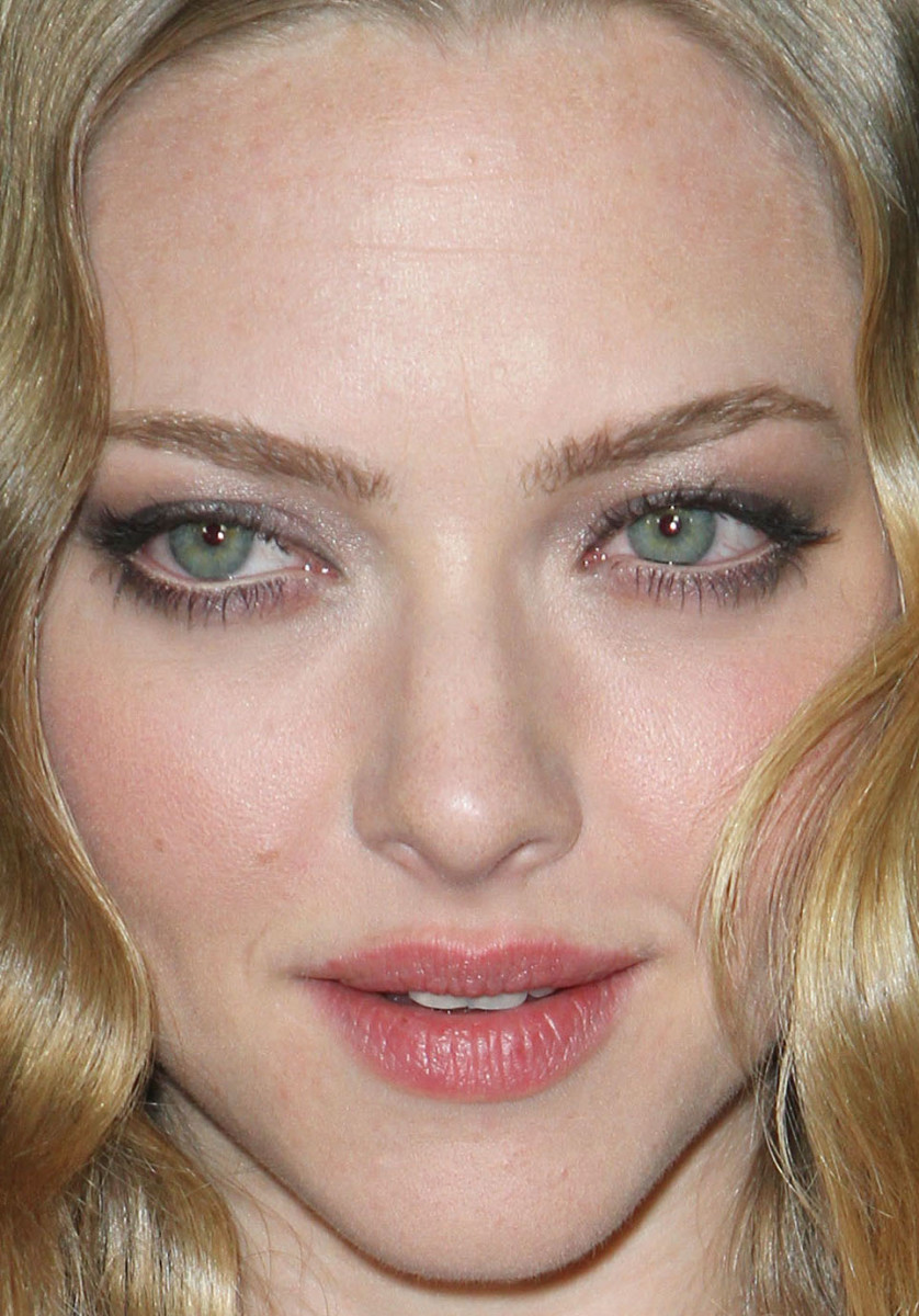 Amanda Seyfried, Gone premiere, 2012