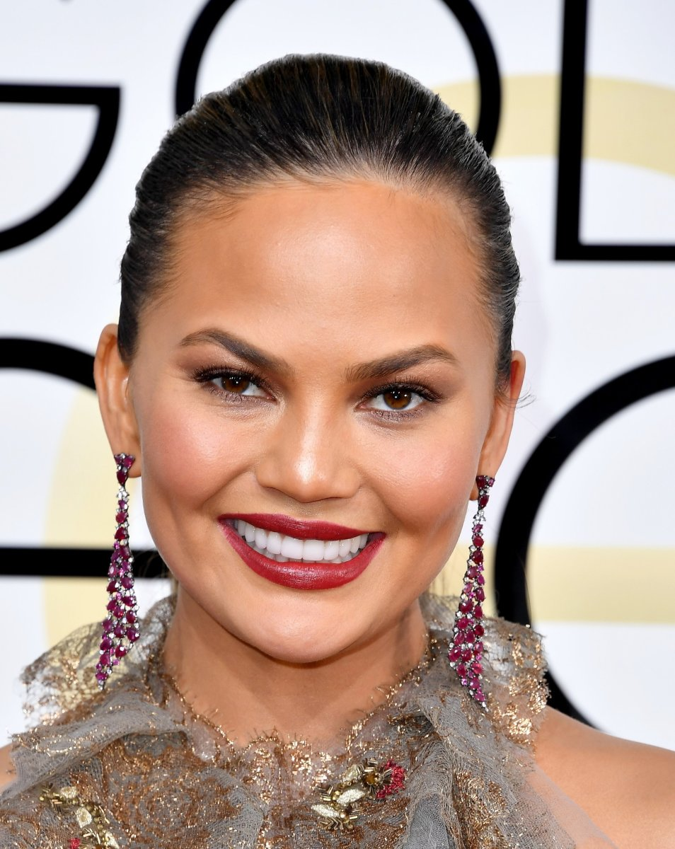 Chrissy Teigen, Golden Globe Awards 2017