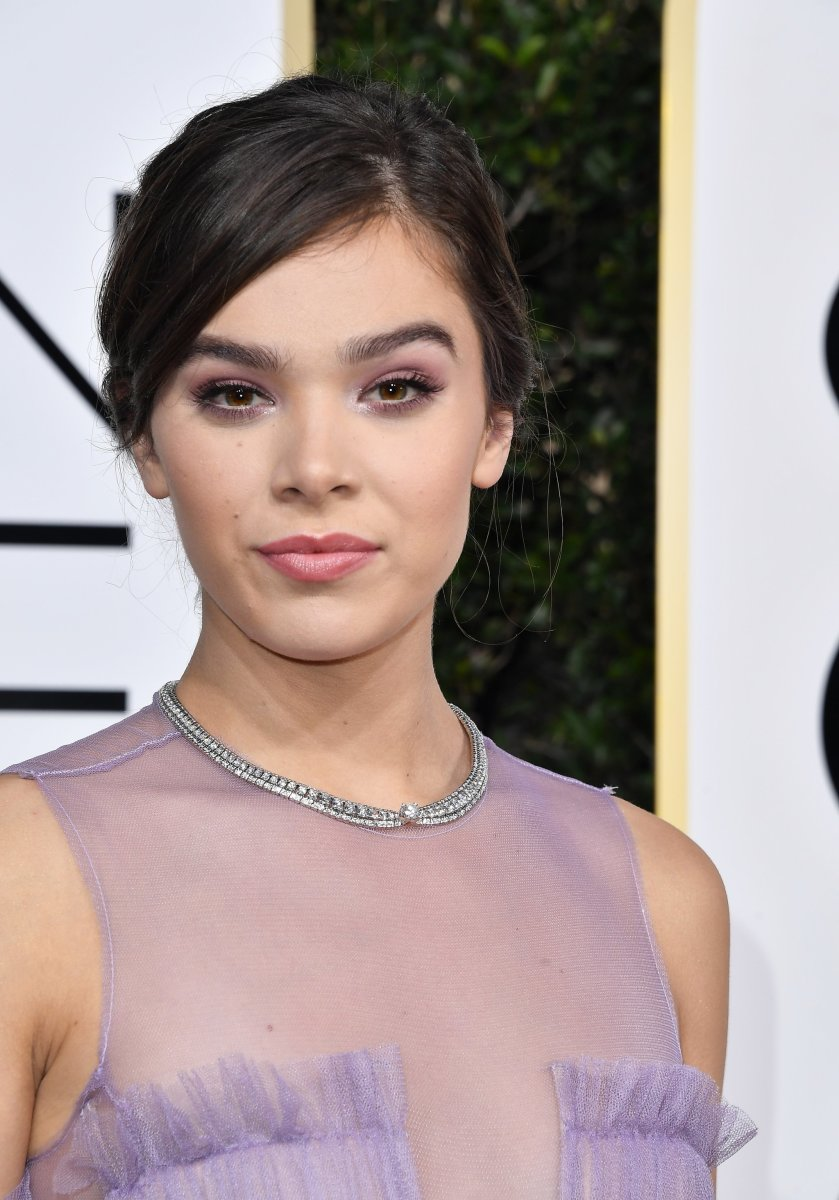 Hailee Steinfeld, Golden Globe Awards 2017