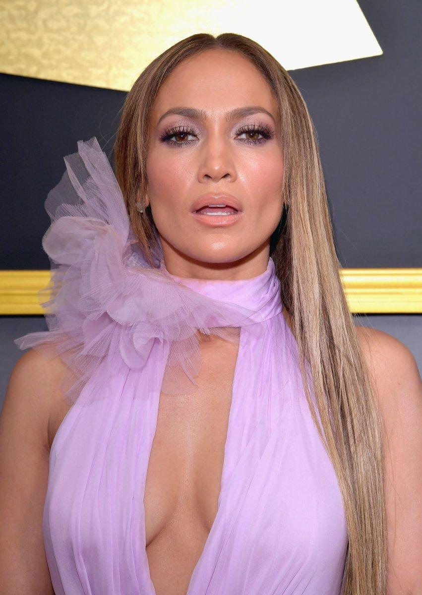 Jennifer Lopez, Grammy Awards 2017
