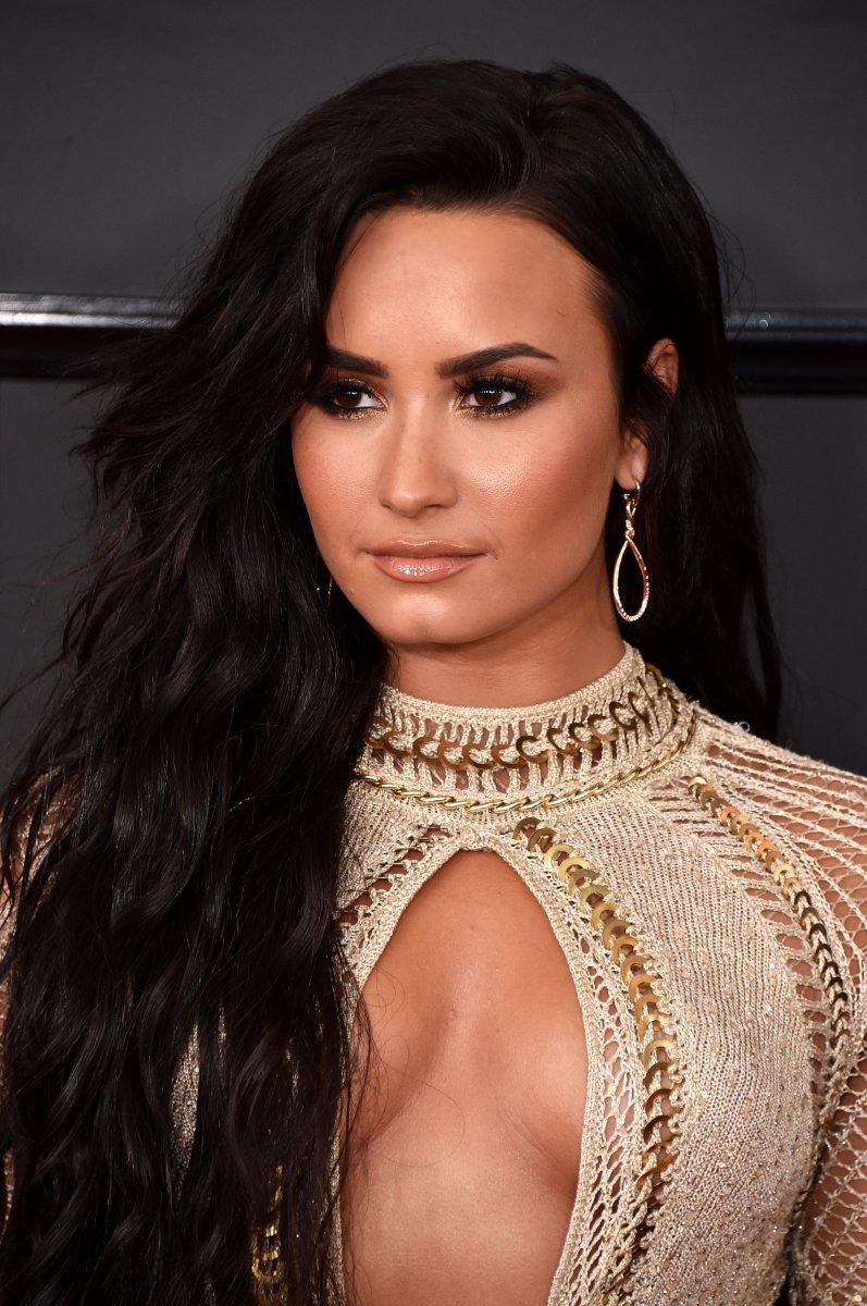 Demi Lovato, Grammy Awards 2017