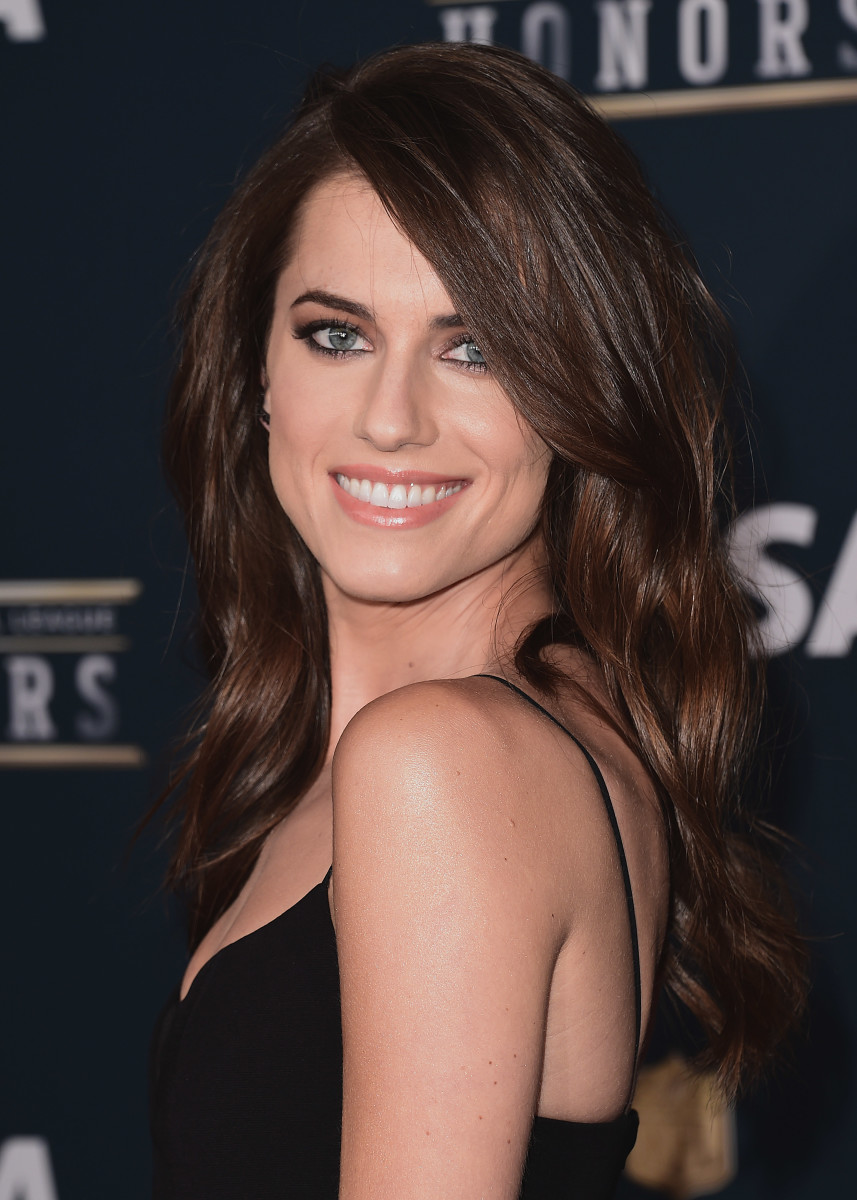 Allison Williams, NFL Honors Awards, 2017