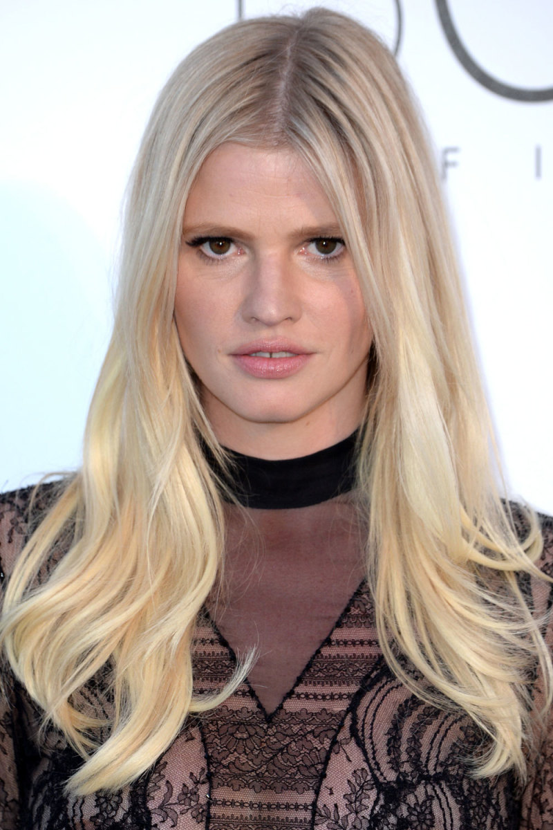 How to touch up highlight regrowth at home beautyeditor lara stone amfar cinema against aids gala 2016 urmus Choice Image