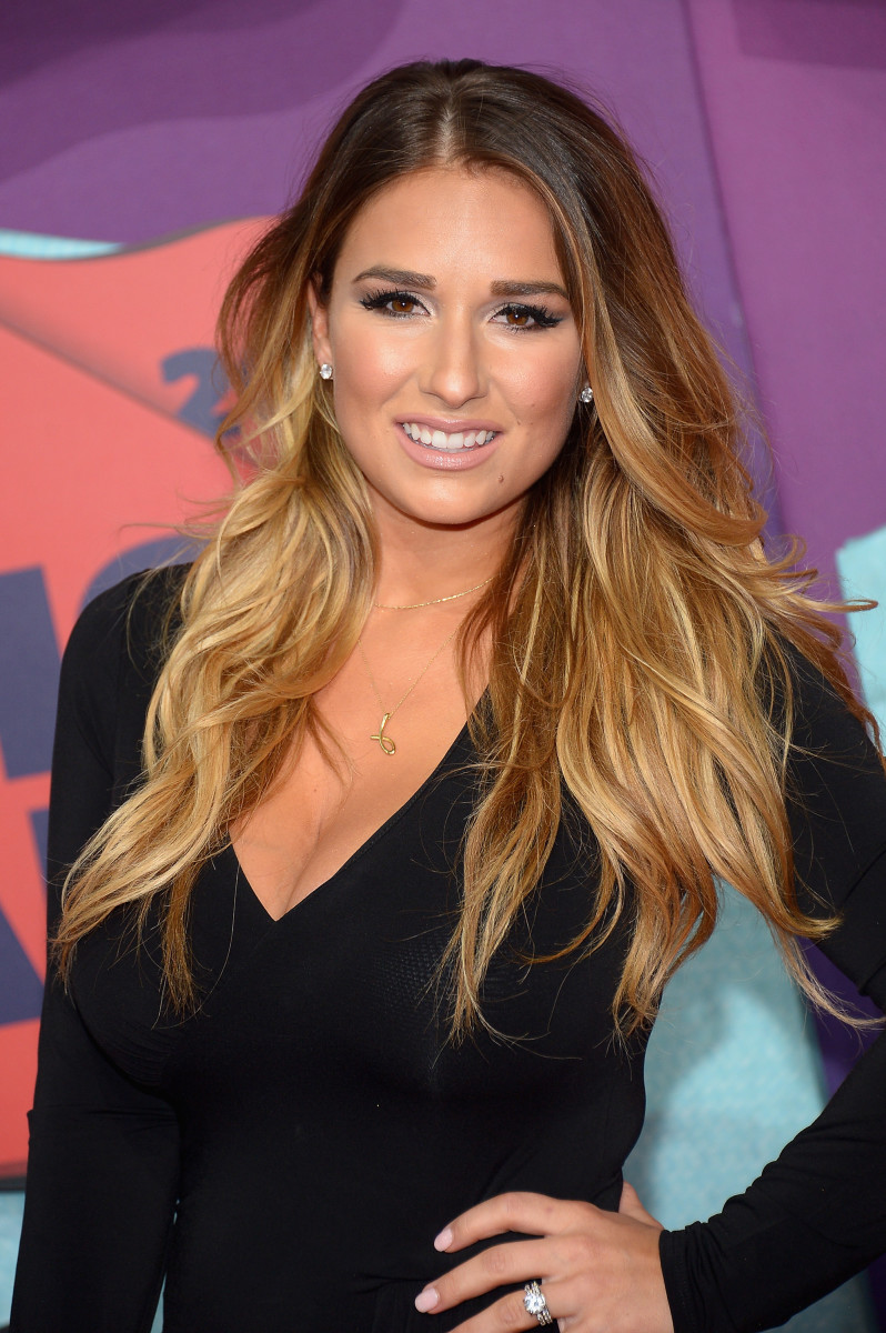 Jessie James Decker, CMT Music Awards 2014