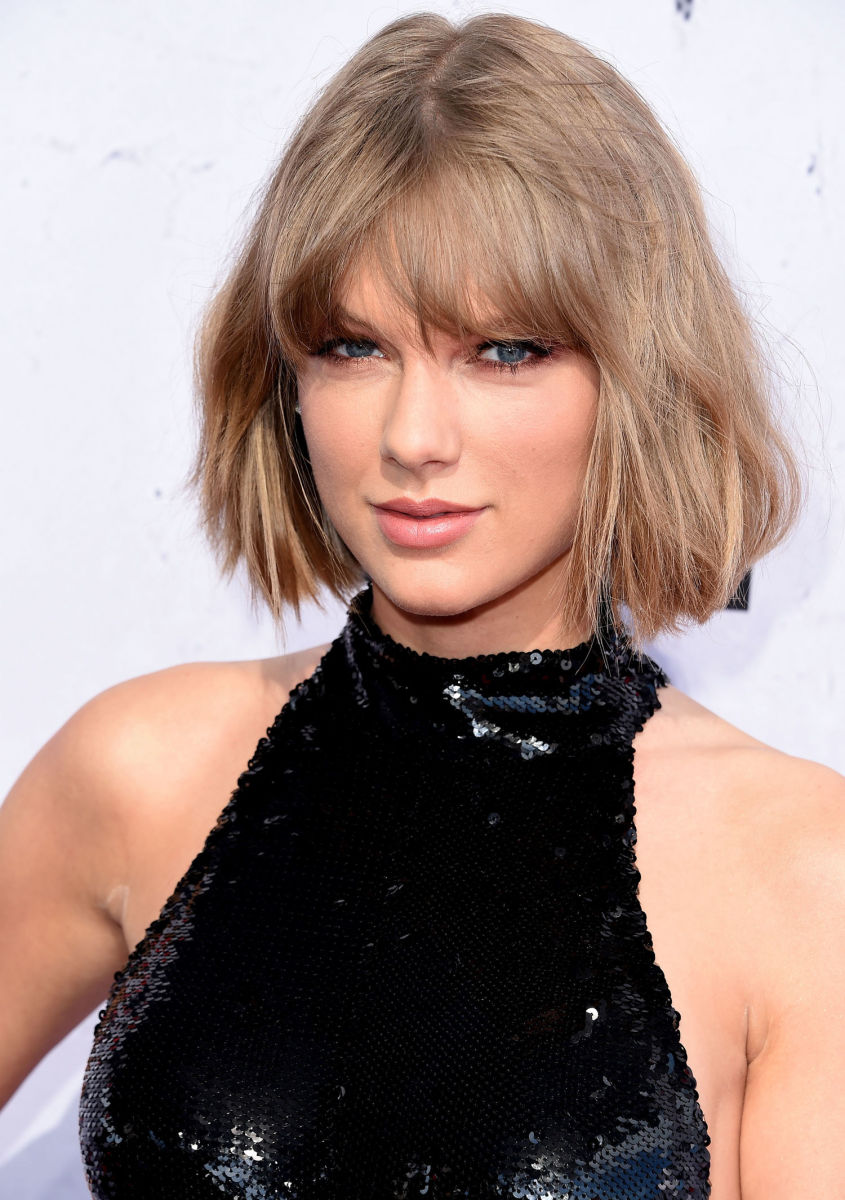 Taylor Swift, iHeartRadio Music Awards 2016