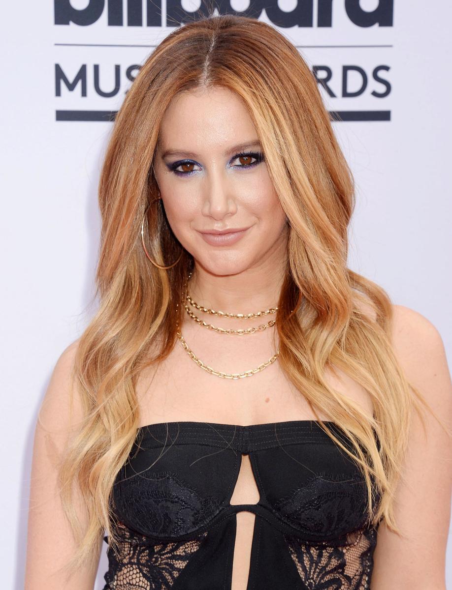 Ashley Tisdale, Billboard Awards 2017