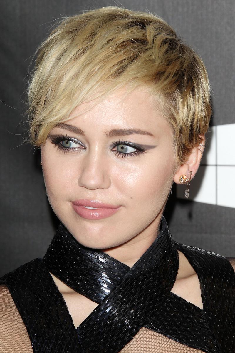Miley Cyrus, amfAR LA Inspiration Gala, 2014