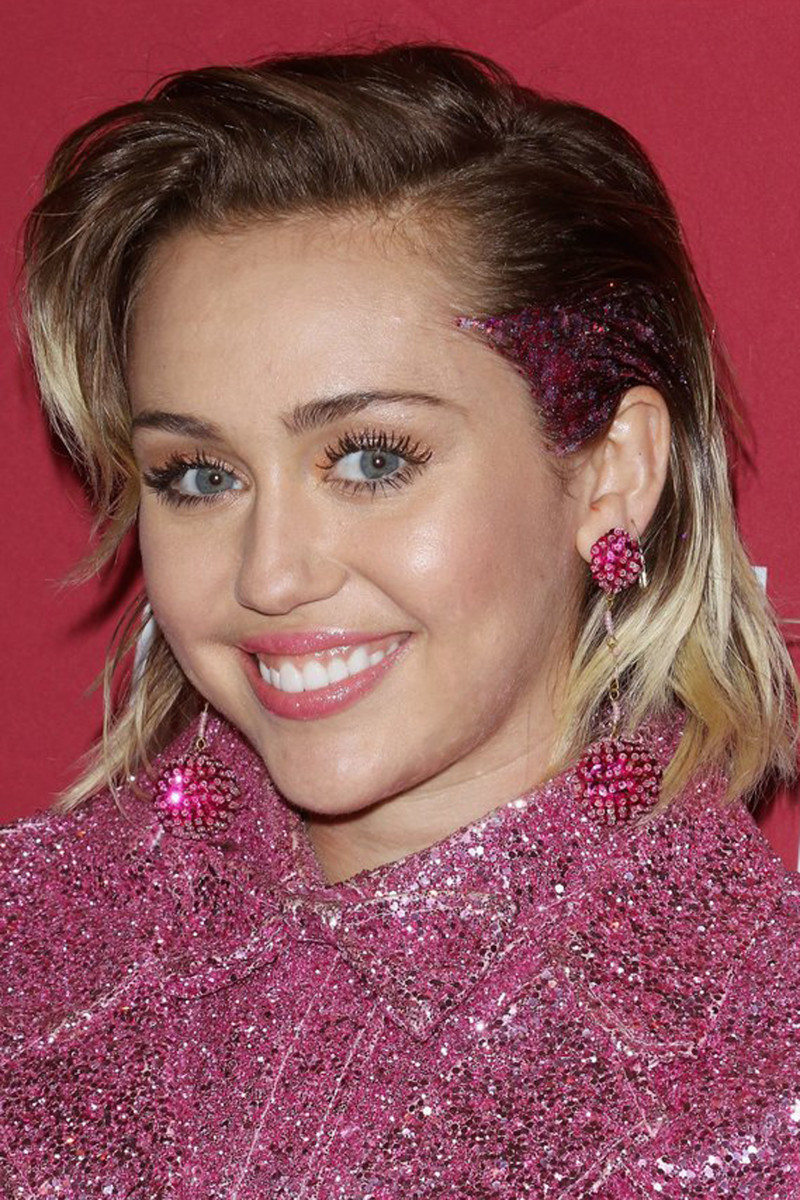 Miley Cyrus, ONE and RED concert, 2015