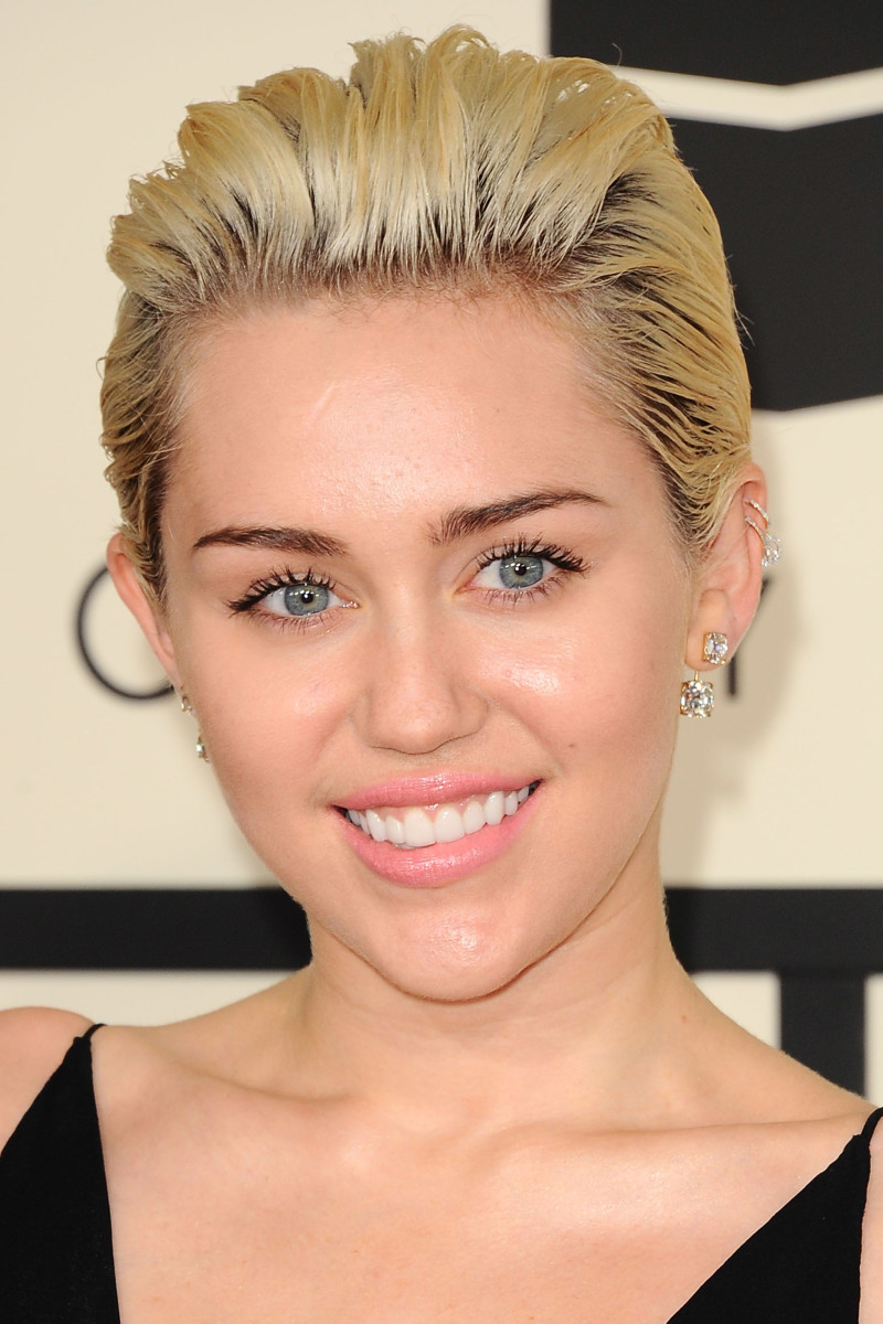Miley Cyrus, Grammy Awards 2015