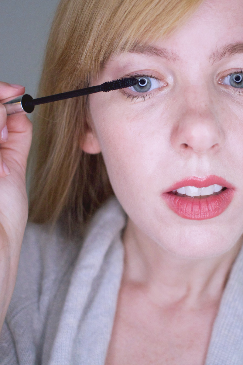 How to look younger with makeup - build up the lashes
