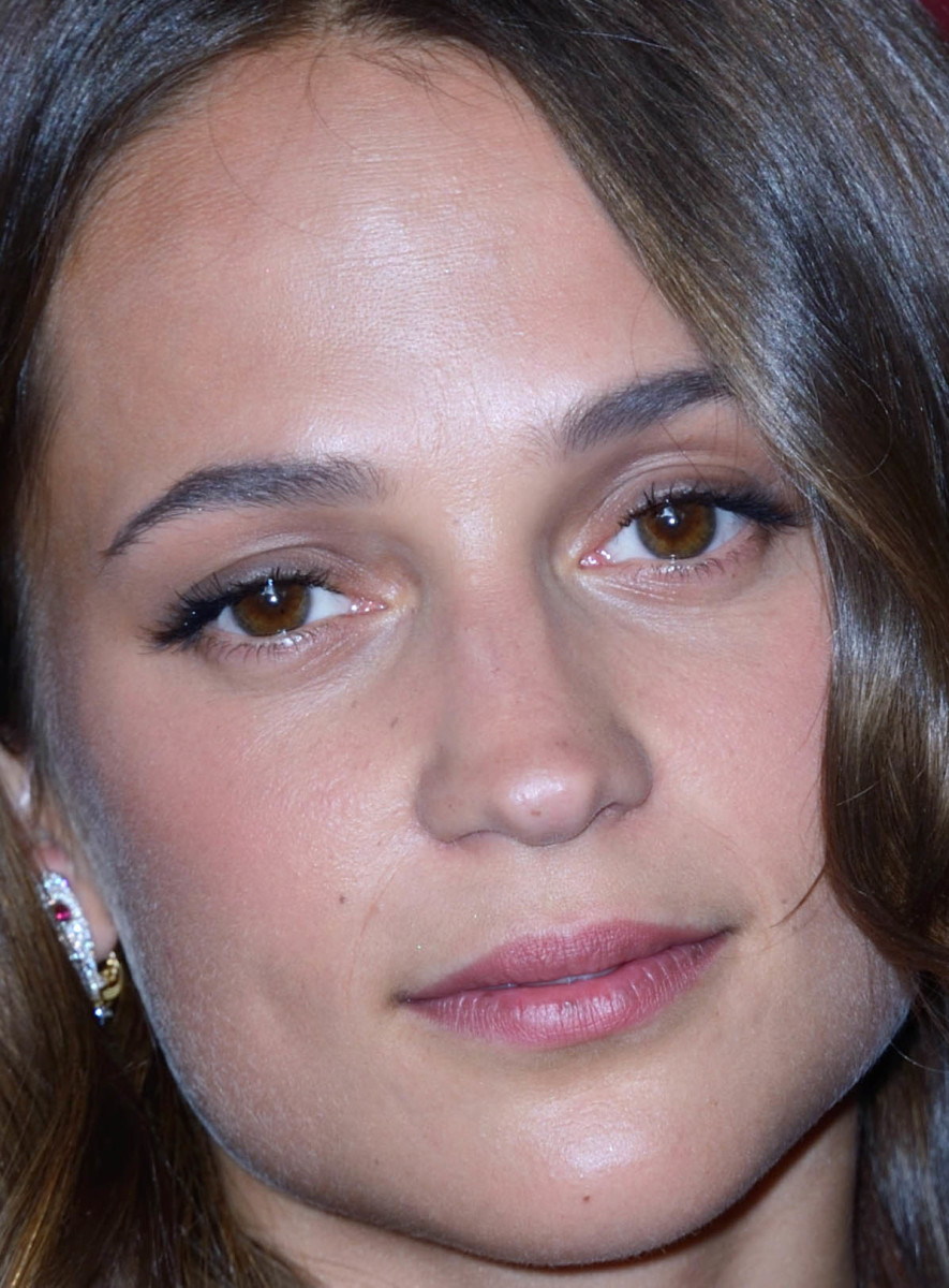 Alicia Vikander, Bulgari store pop-up, 2017