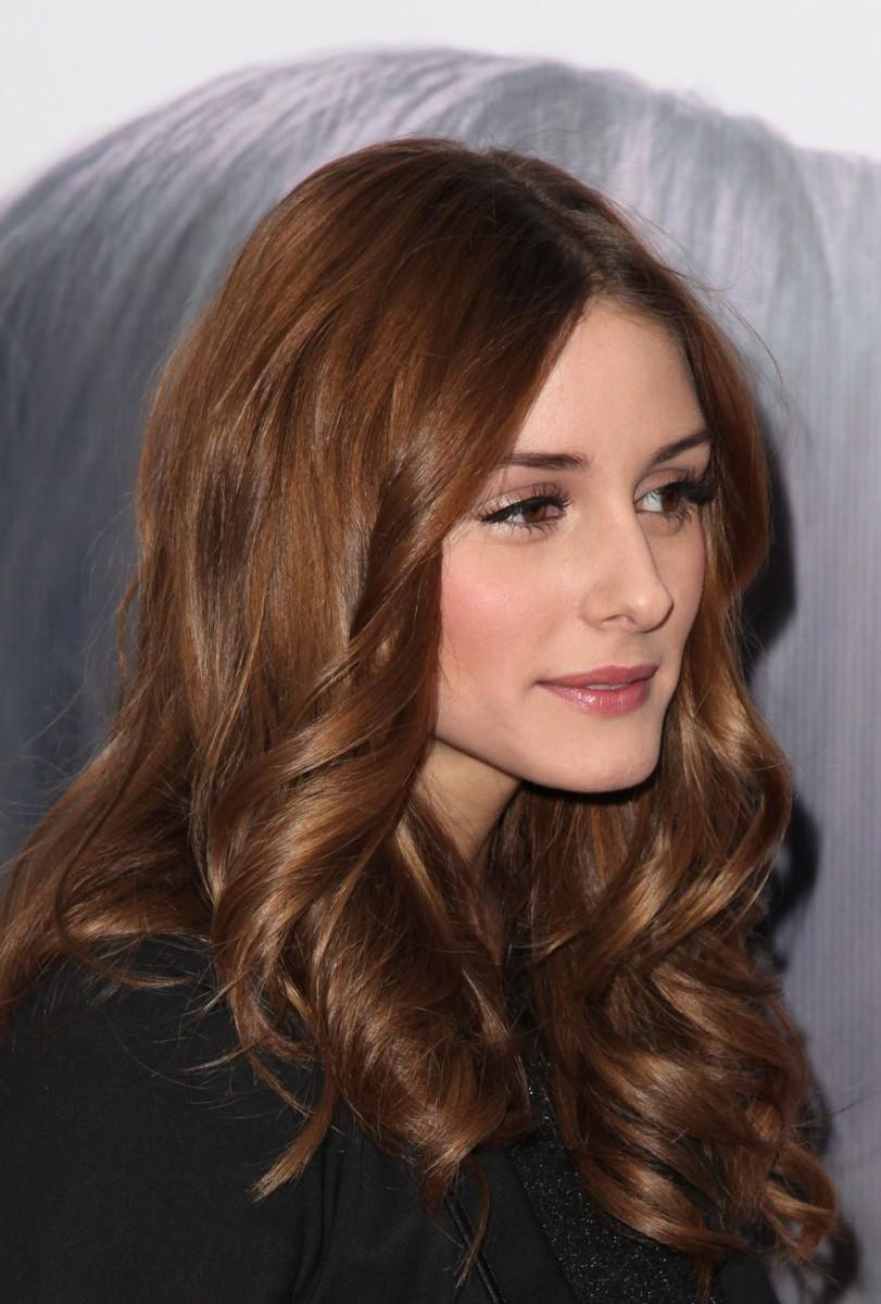 Olivia Palermo brown waves
