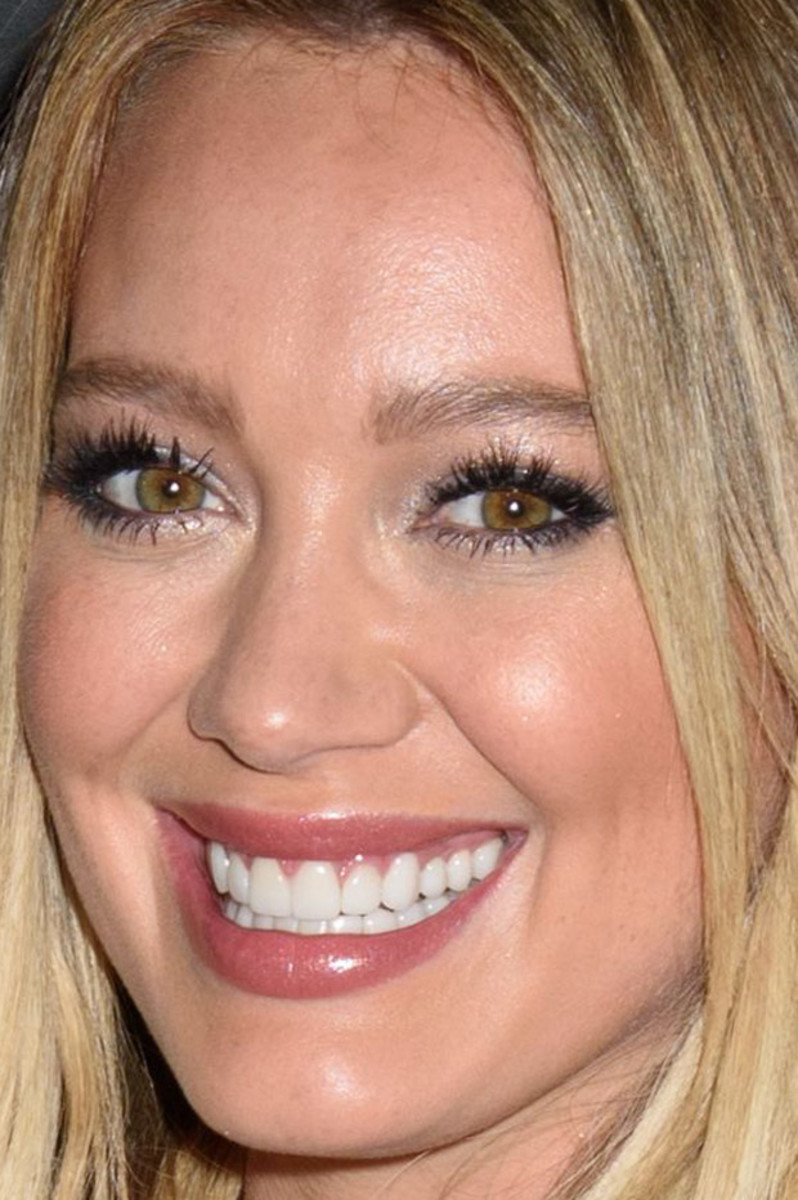 Hilary Duff, Younger Season 2 premiere, 2016