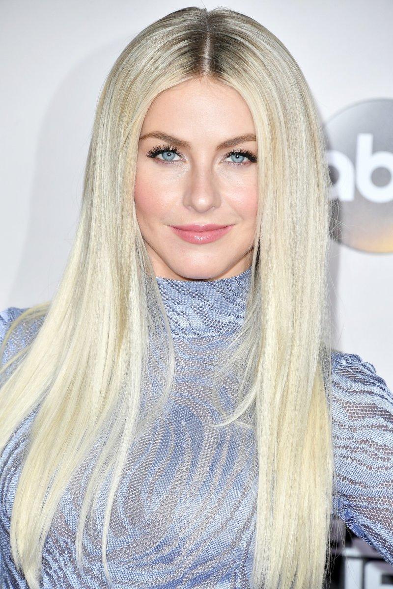 Julianne Hough, American Music Awards 2016