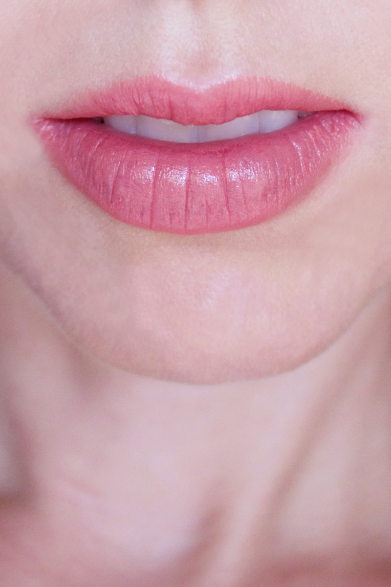 Lily Lolo Natural Lipstick in Intense Crush (on lips)