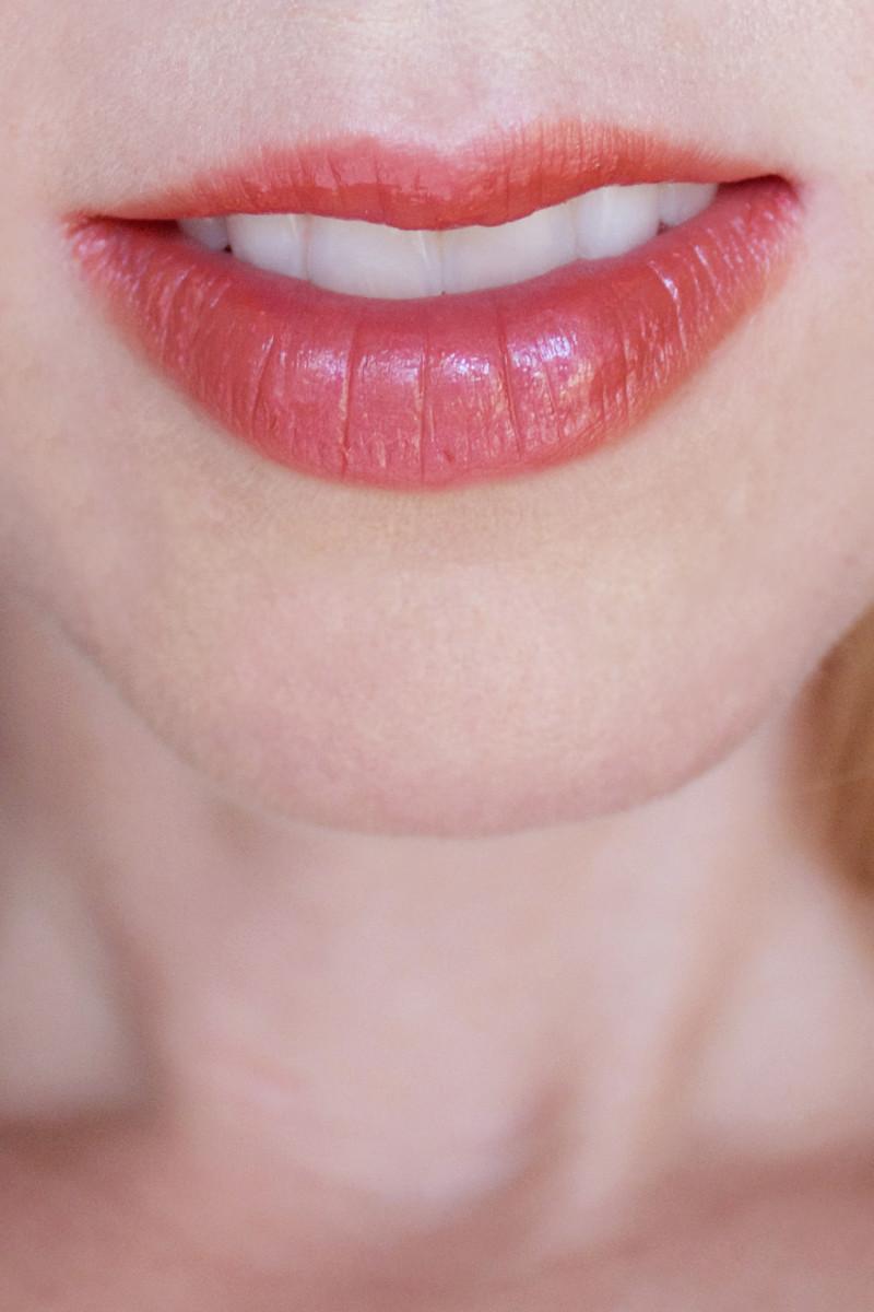 Studio 78 Paris Let's Get Married Liquid Lipstick in Coral Wedding 04 (on lips)
