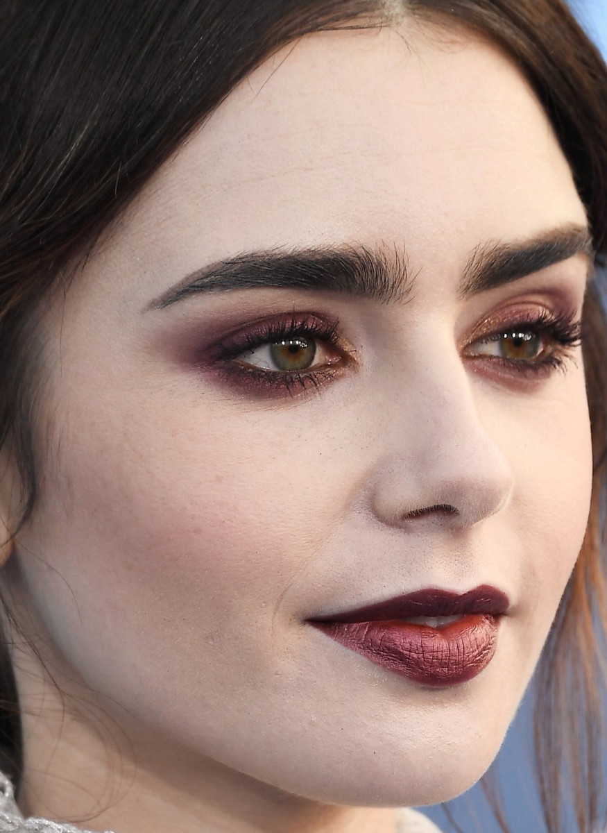 Lily Collins, Critics' Choice Awards 2017