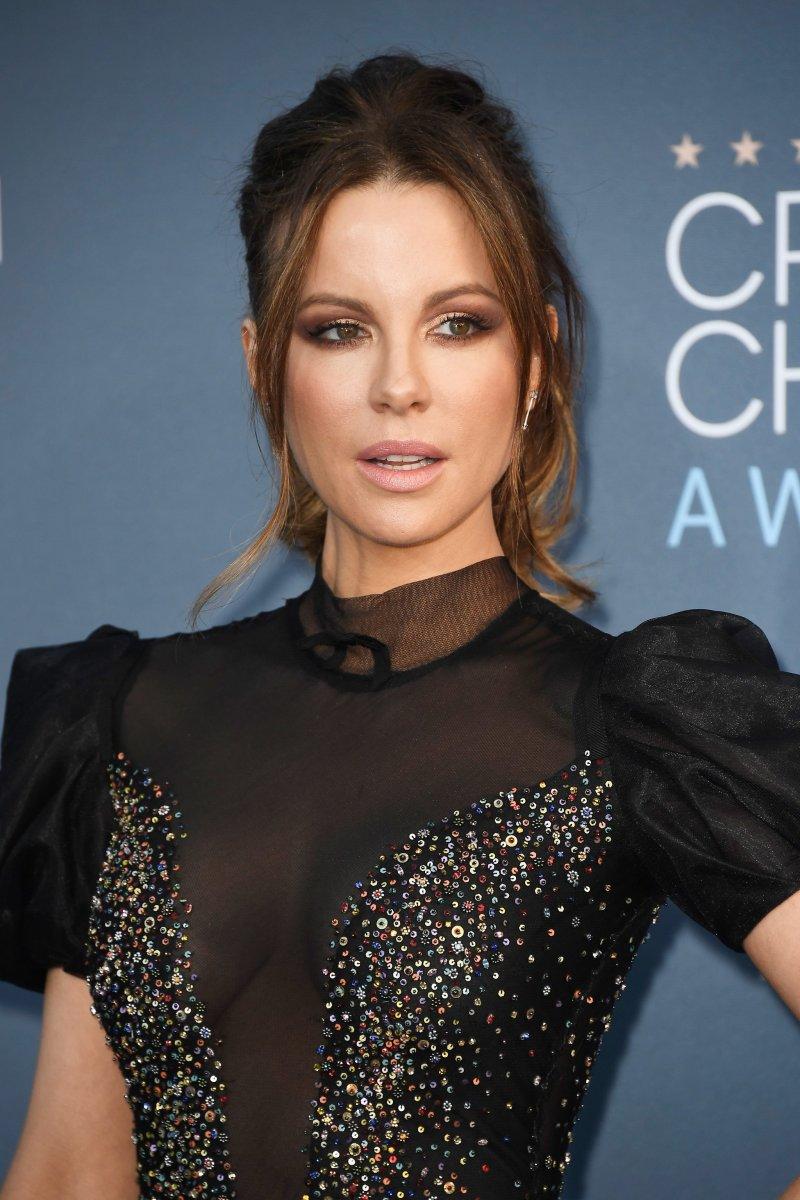 Kate Beckinsale, Critics' Choice Awards 2017