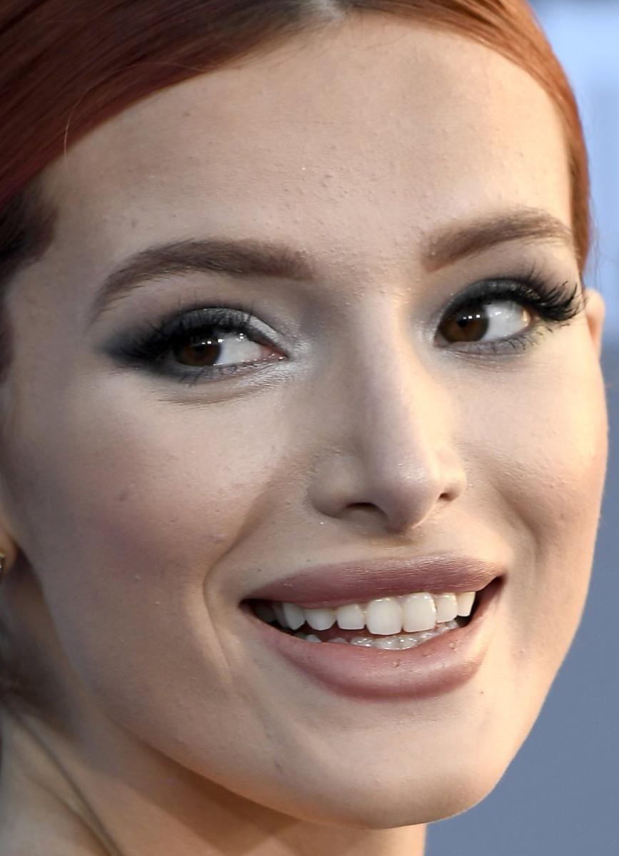 Bella Thorne, Critics' Choice Awards 2017