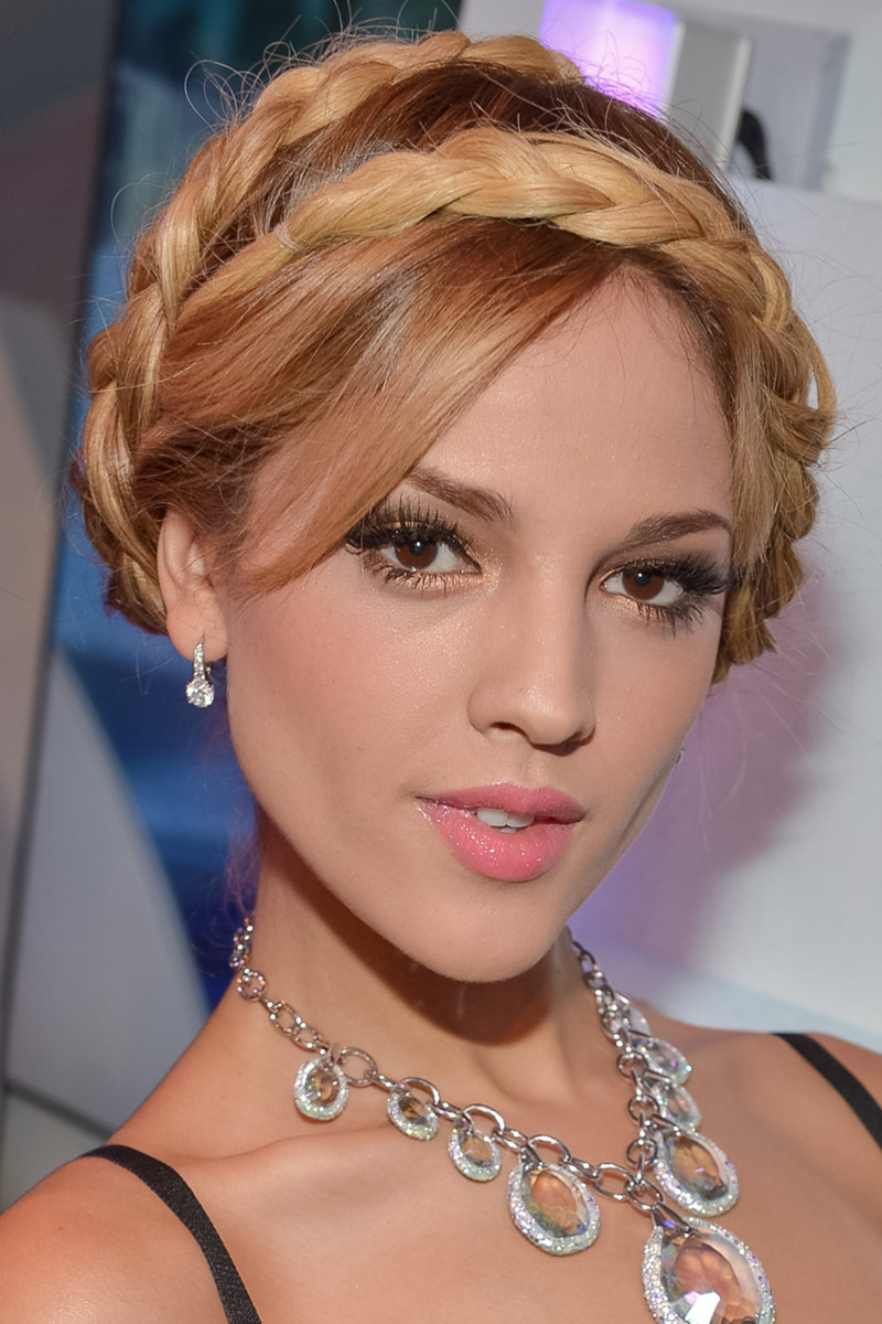 Eiza Gonzalez, Premios Juventud Awards, 2012