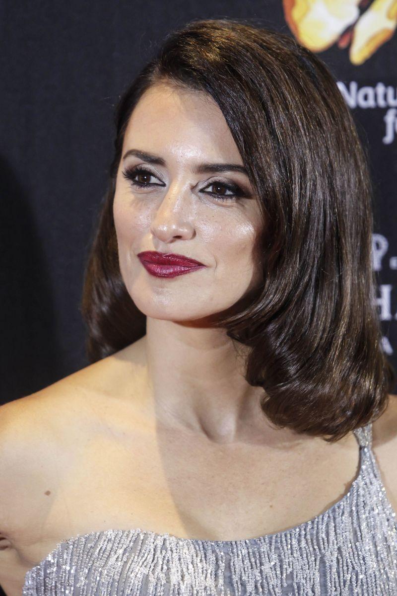 Penelope Cruz, The Queen of Spain Madrid premiere, 2016