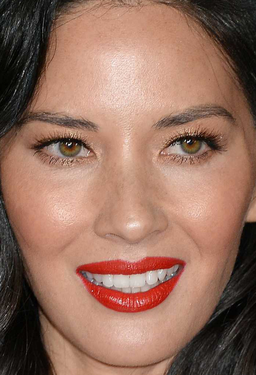 Olivia Munn, Office Christmas Party premiere, 2016
