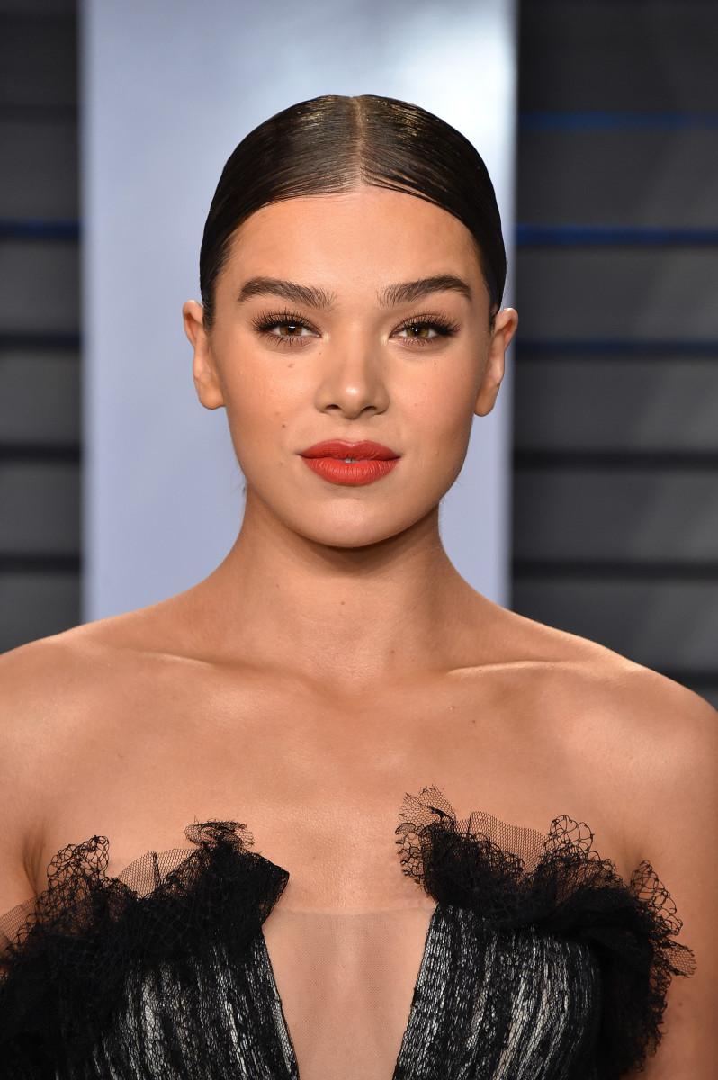 Hailee Steinfeld, Vanity Fair Oscar party, 2018