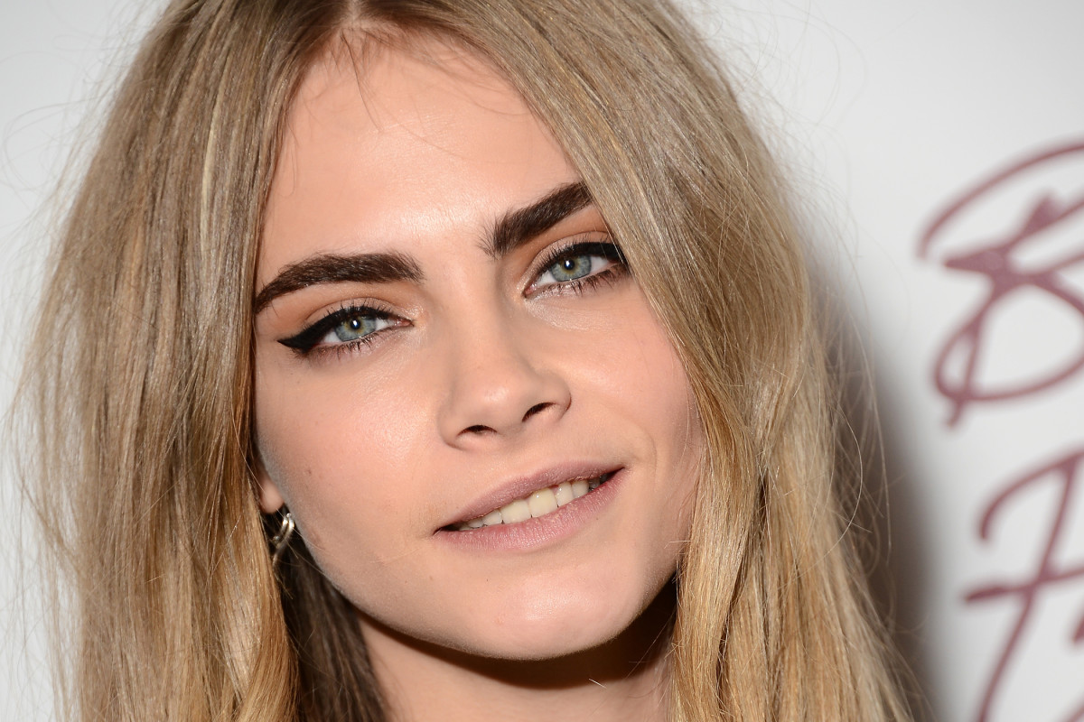 How to give dark blonde hair a new look