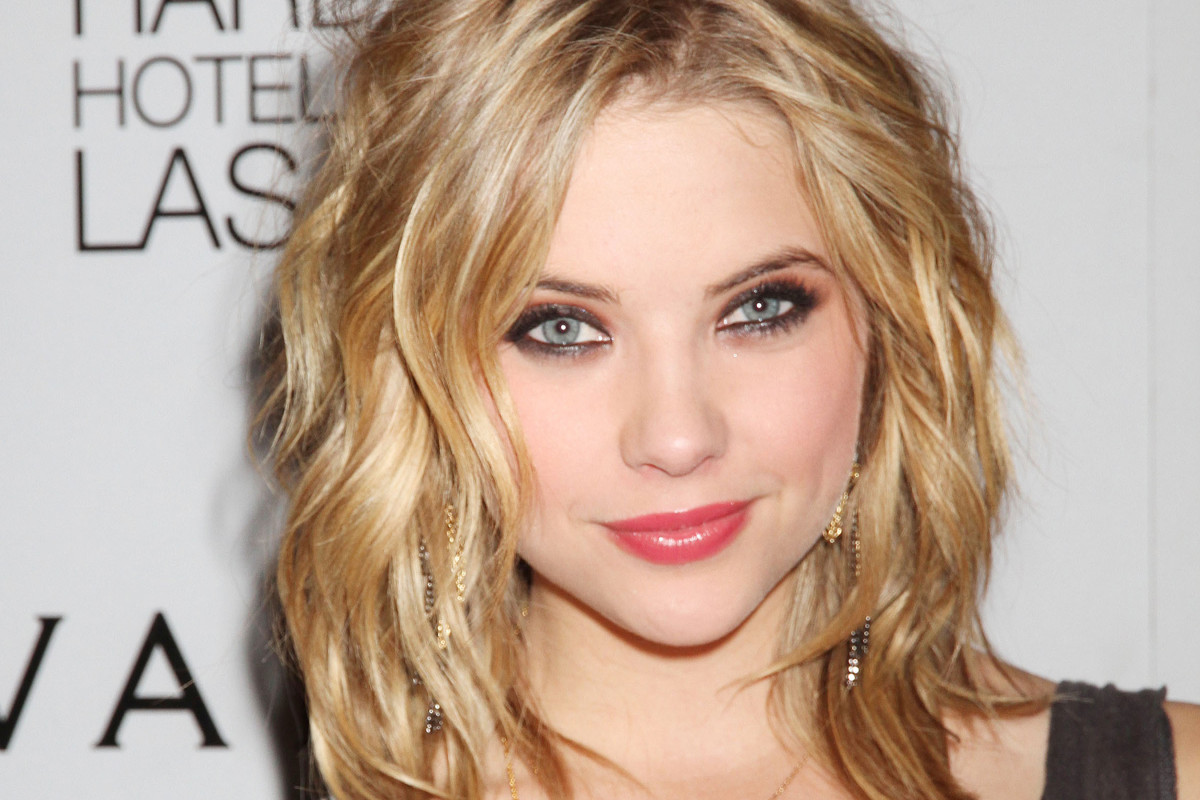 The best cuts for curly, blonde hair