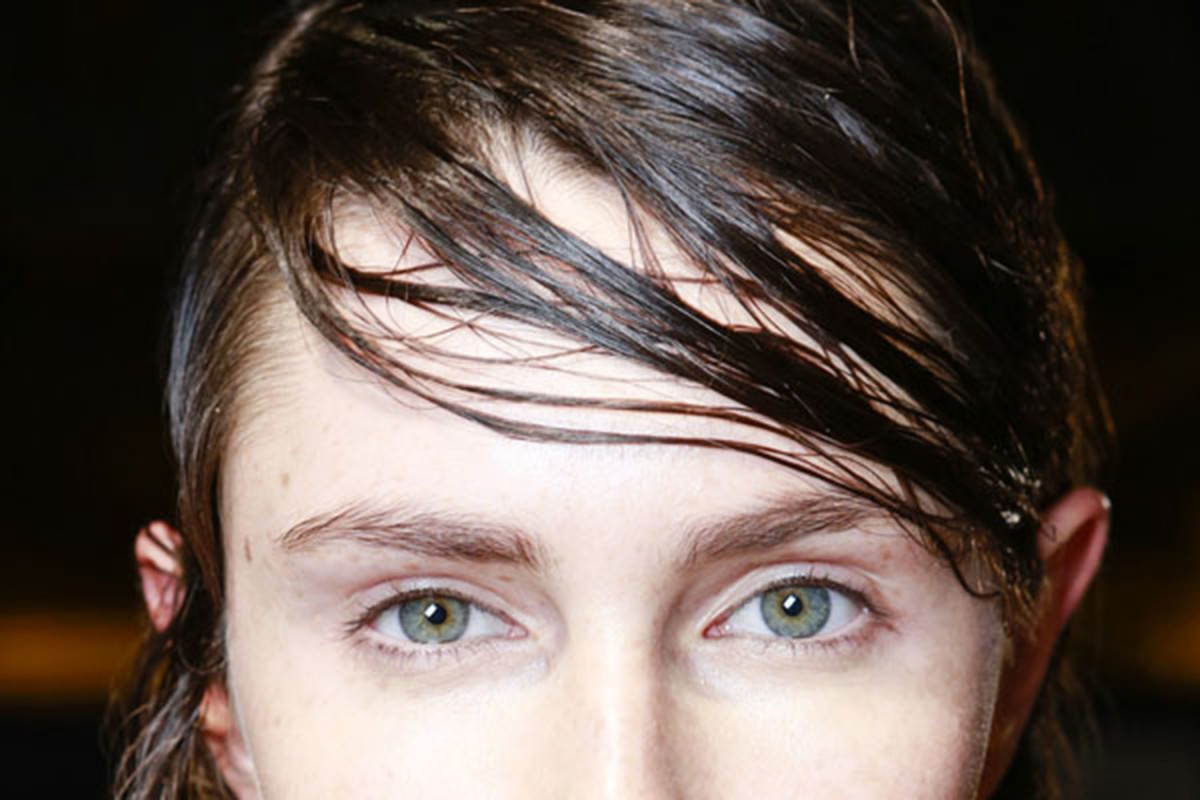 How to make your hair less oily