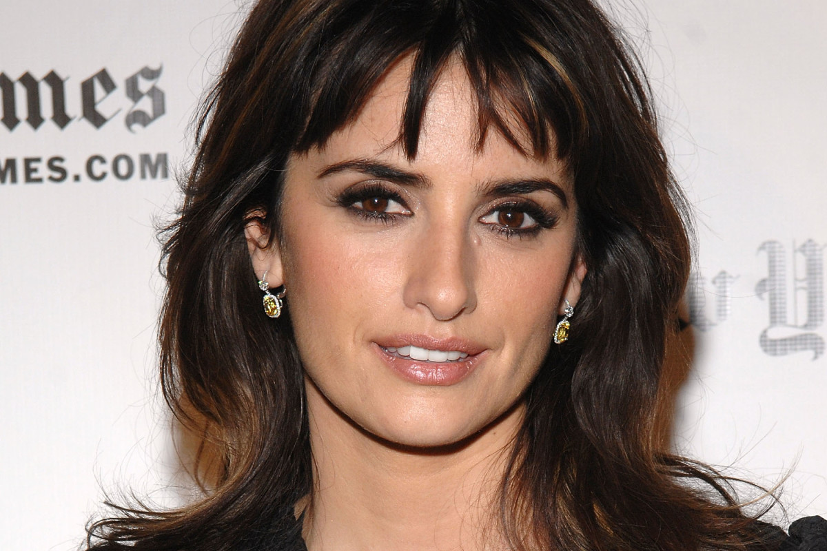 The best hairstyles for a weak jawline
