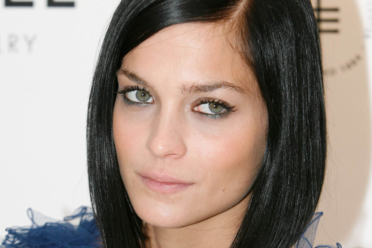 Best cuts for straight hair and round faces
