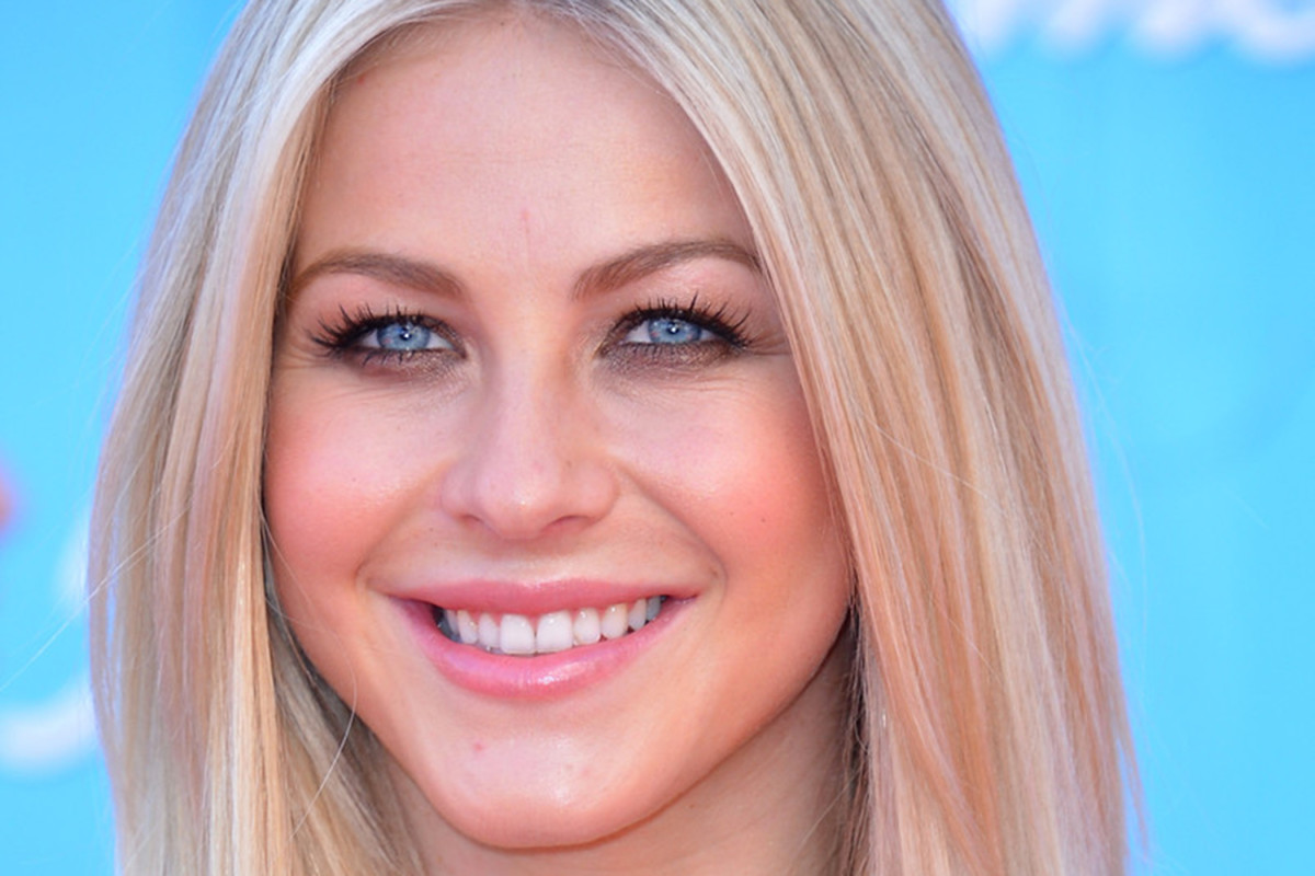 How to get cool-toned blonde hair
