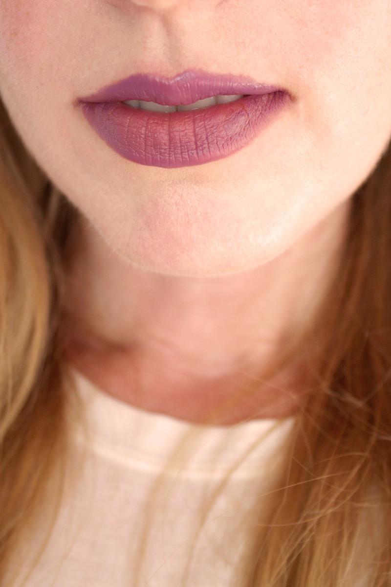 Bite Beauty Multistick in Nectar (on lips)