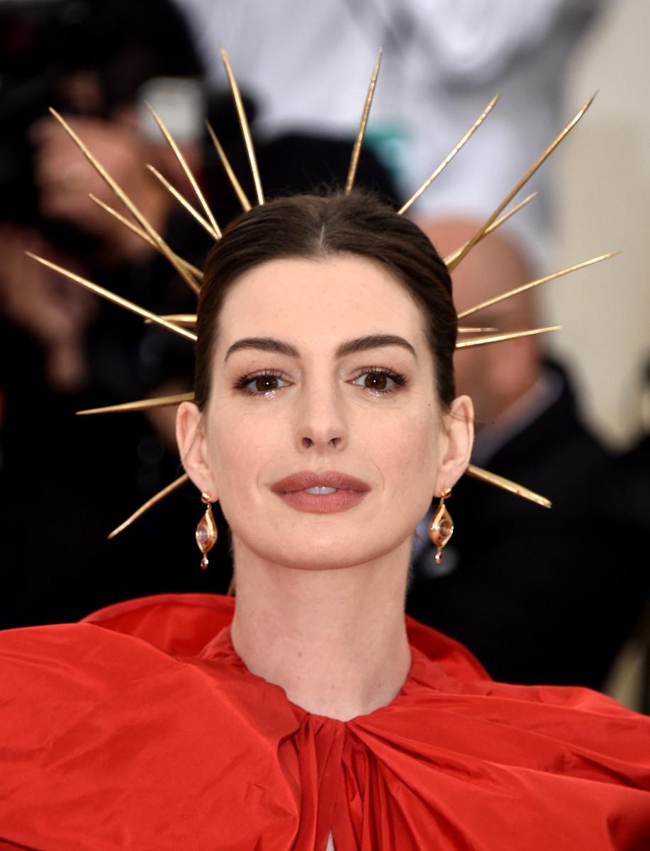 Anne Hathaway, Met Gala, 2018