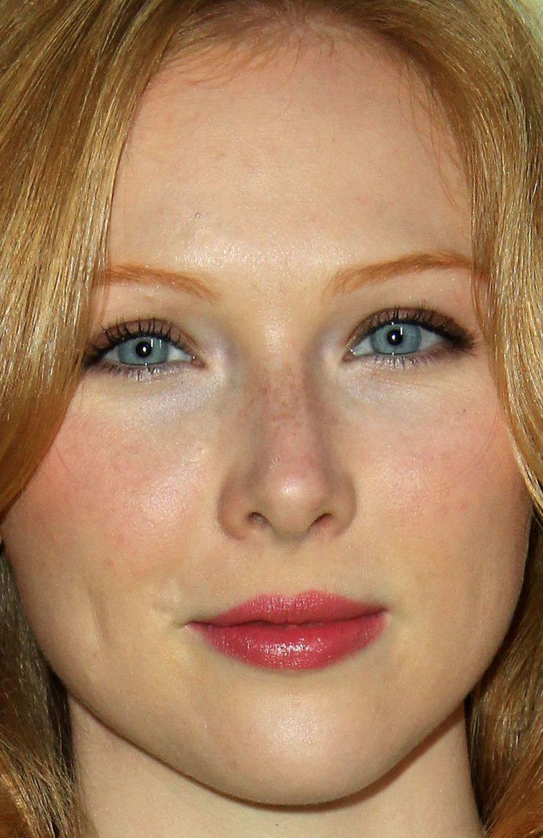 Molly Quinn, The Long Road Home premiere, 2017
